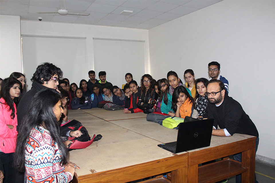 Practical Session for Students at WUD